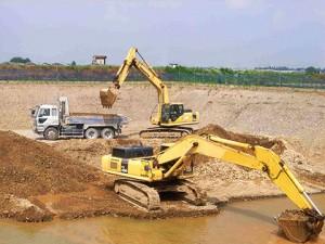 陸砂利採掘及び積込み